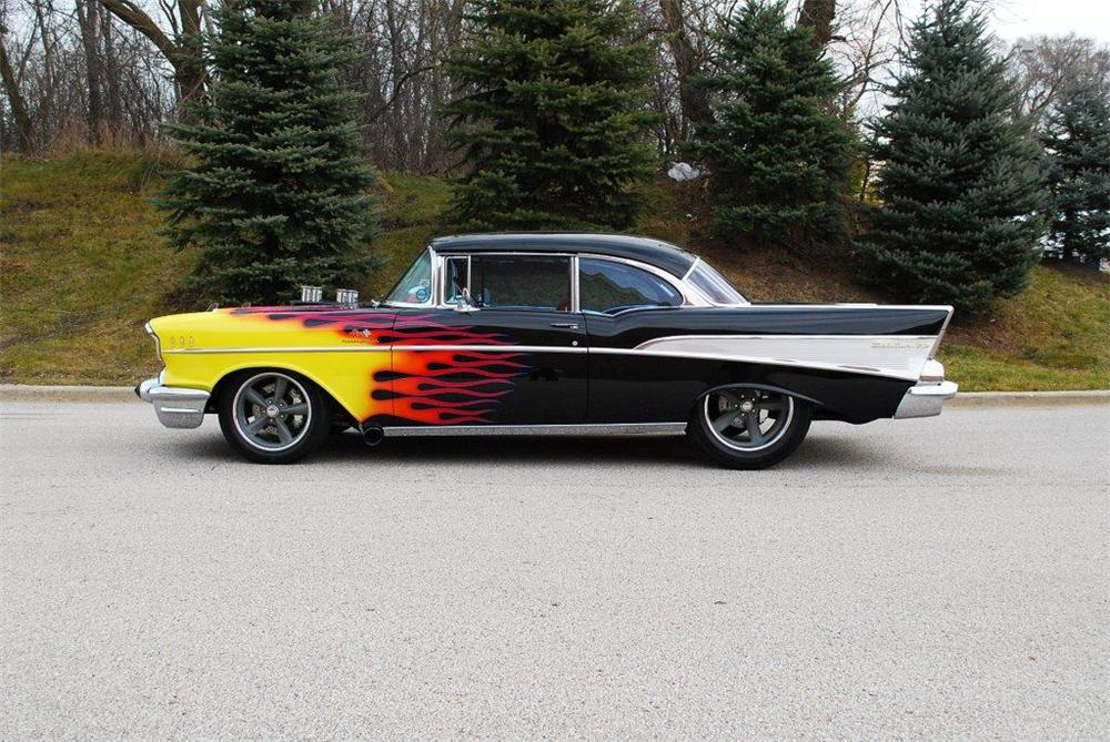 1957 CHEVROLET BEL AIR CUSTOM 2 DOOR COUPE - Side Profile - 117300