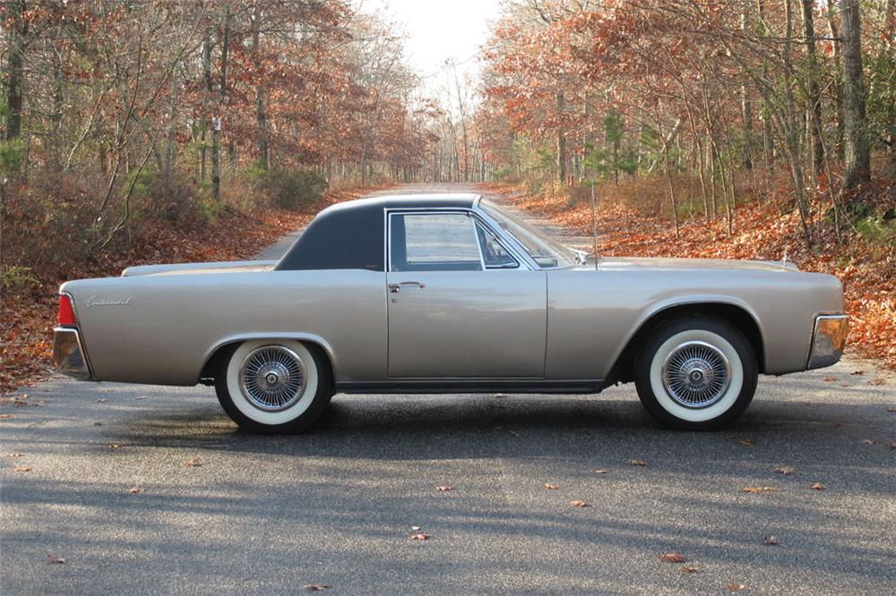 1962 Lincoln Continental Custom 2 Door Coupe 117301