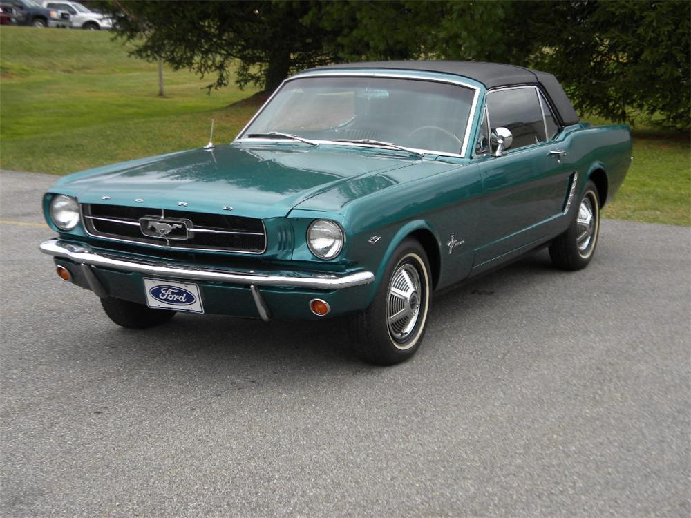 1965 FORD MUSTANG CONVERTIBLE - Front 3/4 - 117302