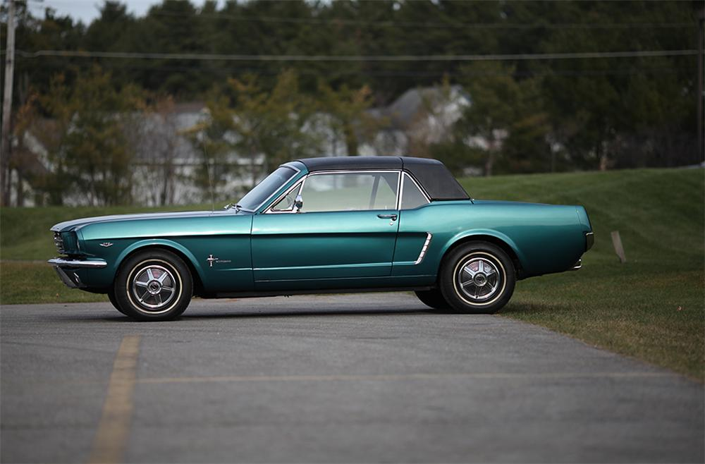 1965 FORD MUSTANG CONVERTIBLE - Side Profile - 117302