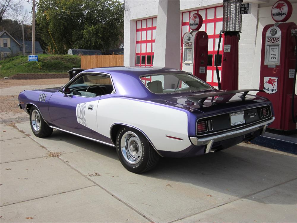 1971 PLYMOUTH CUDA 2 DOOR HARDTOP - Rear 3/4 - 117315