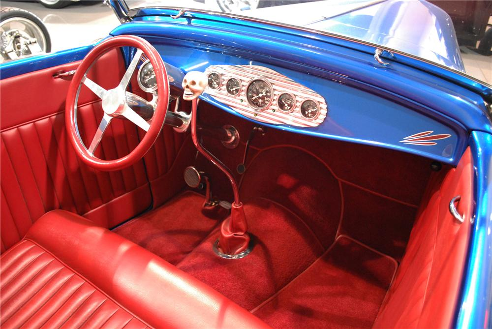 1932 FORD HI-BOY ROADSTER - Interior - 117346