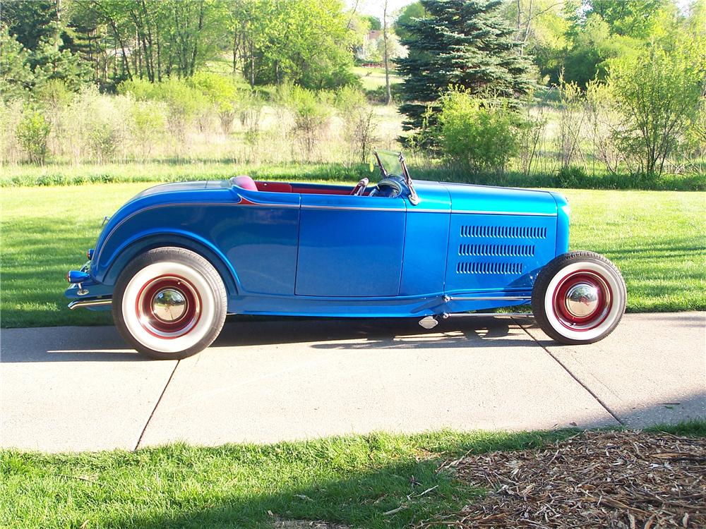 1932 FORD HI-BOY ROADSTER - Side Profile - 117346