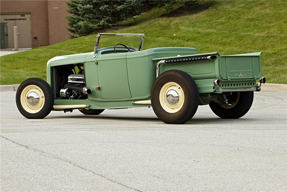 1930 FORD ROADSTER PICKUP - Rear 3/4 - 117347