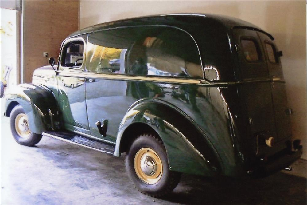 1947 FORD 1/2 TON PANEL TRUCK - Rear 3/4 - 117351