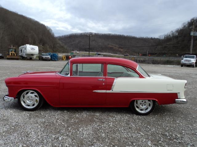 1955 CHEVROLET 210 CUSTOM 2 DOOR COUPE - Side Profile - 117356