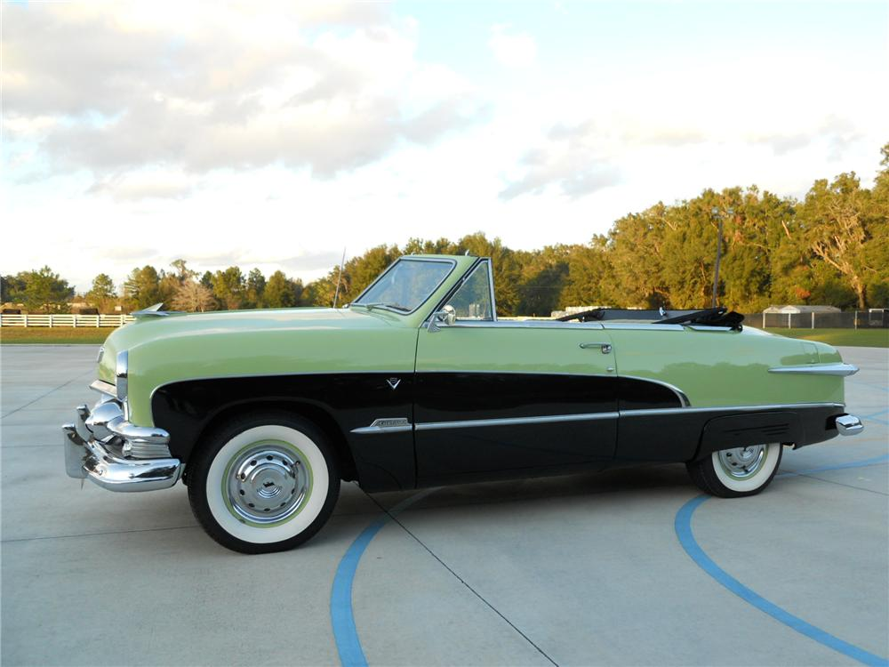 1951 FORD CUSTOM CONVERTIBLE - Side Profile - 117376