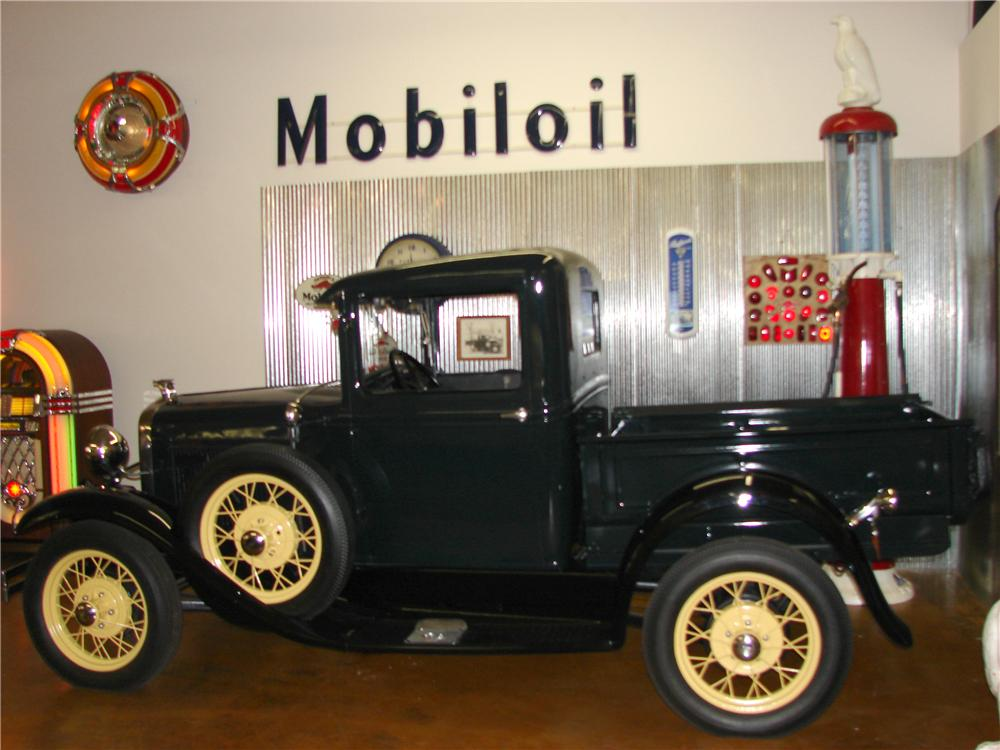 1931 FORD MODEL A PICKUP - Front 3/4 - 117401