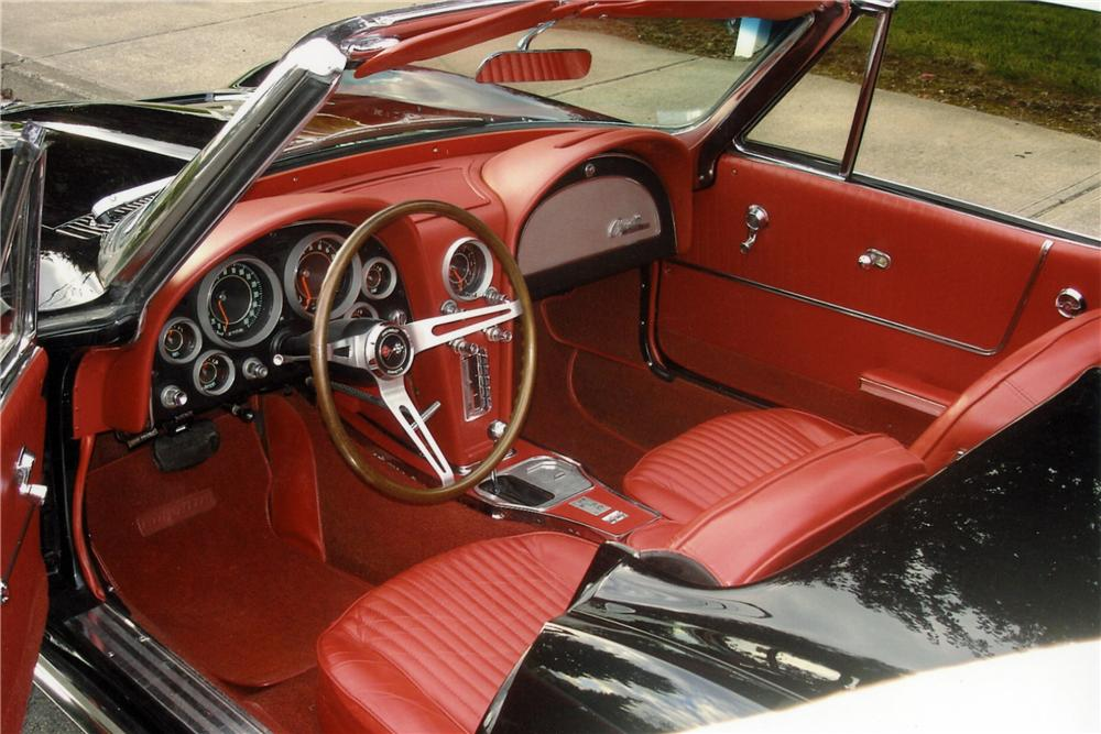 1964 CHEVROLET CORVETTE CONVERTIBLE - Interior - 117411