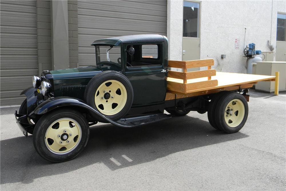 1931 FORD AA 1 1/2 TON FLATBED TRUCK - Front 3/4 - 117424