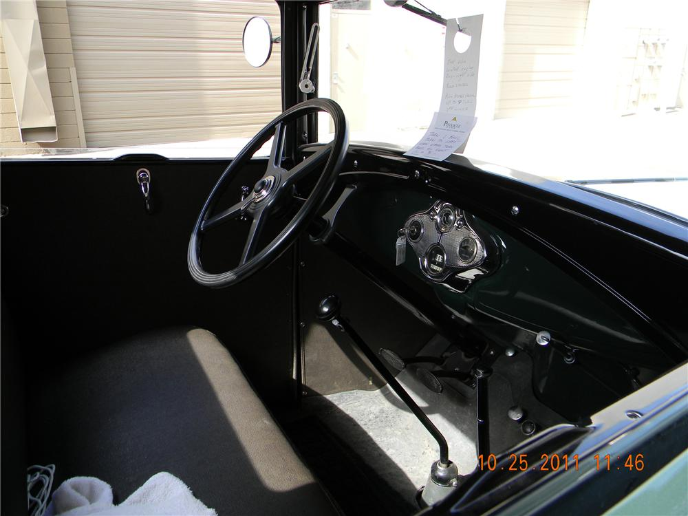 1931 FORD AA 1 1/2 TON FLATBED TRUCK - Interior - 117424