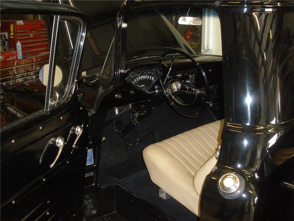 1958 CHEVROLET APACHE CUSTOM PICKUP - Interior - 117431