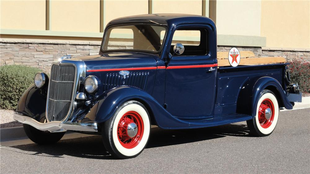 1935 FORD PICKUP - Front 3/4 - 117435