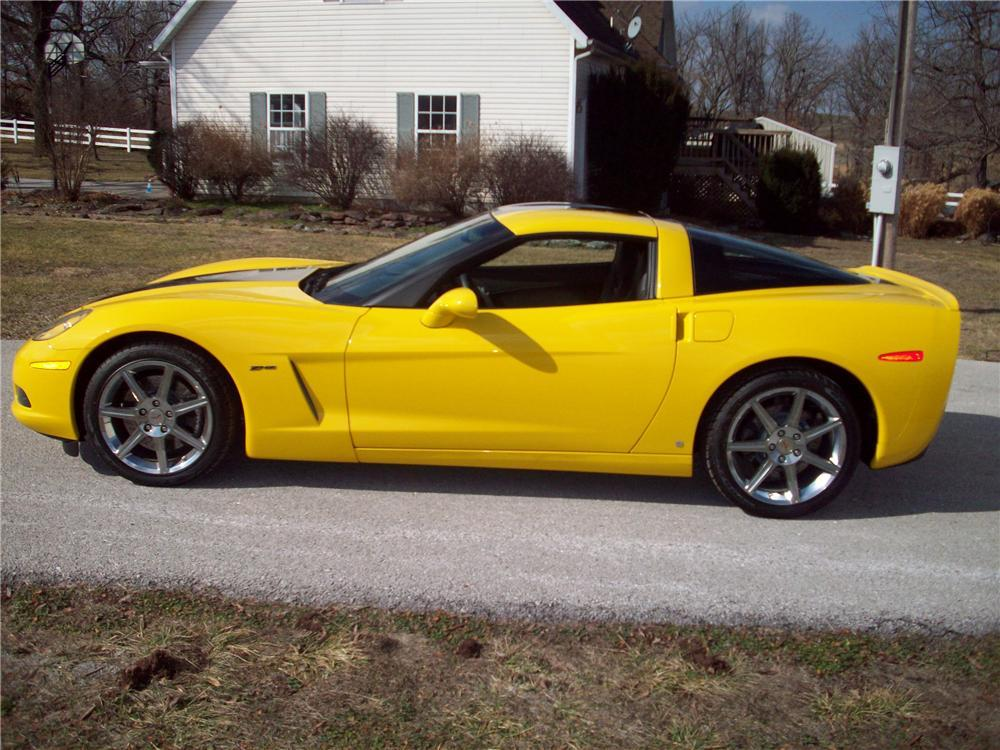 2008 CHEVROLET CORVETTE COUPE - Side Profile - 117455