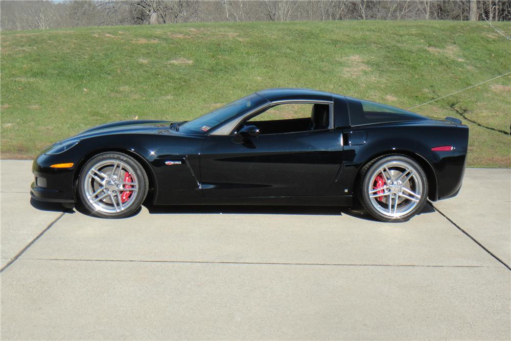2006 CHEVROLET CORVETTE COUPE - Side Profile - 117456