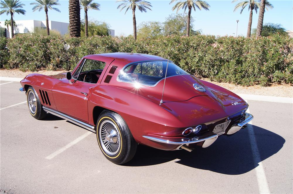 1965 CHEVROLET CORVETTE COUPE - Rear 3/4 - 117473