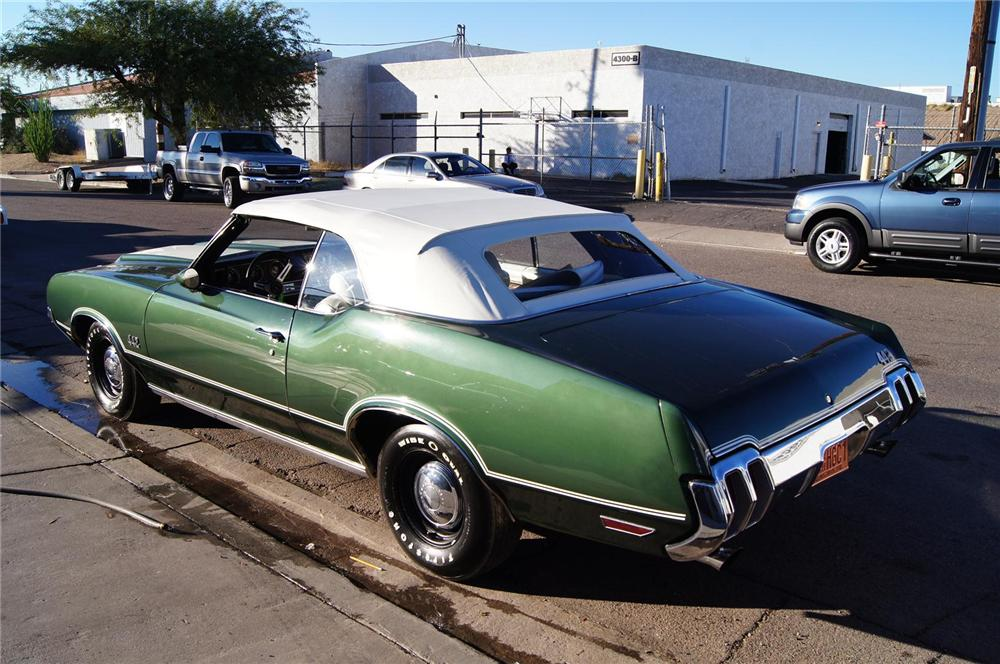 1970 OLDSMOBILE 442 CONVERTIBLE - Rear 3/4 - 117479