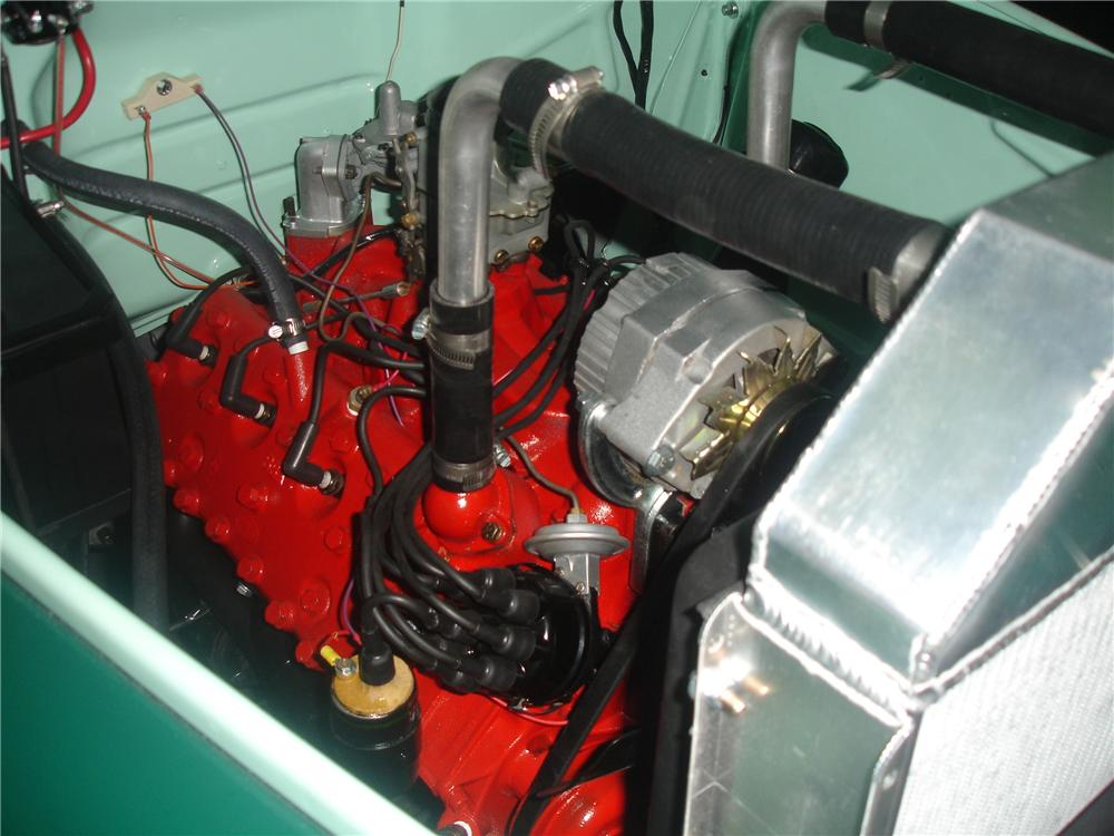 1952 FORD F-3 TOW TRUCK - Engine - 117500
