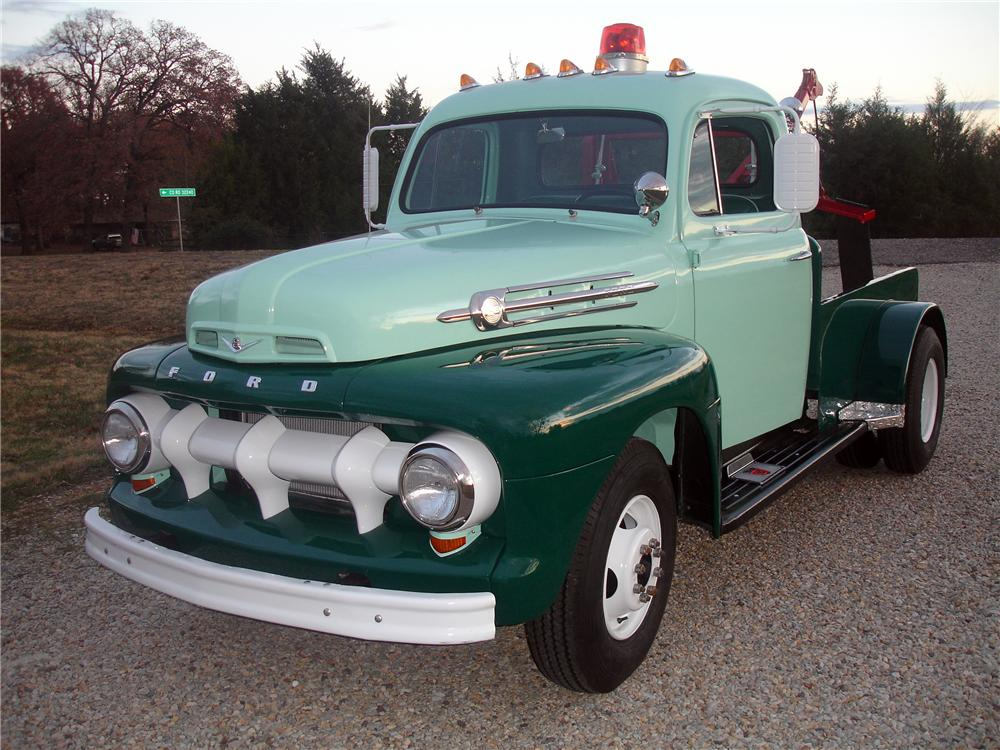 1952 Ford F 3 Tow Truck