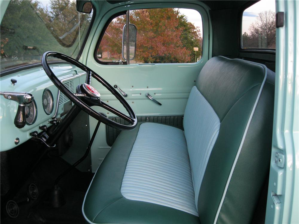 1952 FORD F-3 TOW TRUCK - Interior - 117500