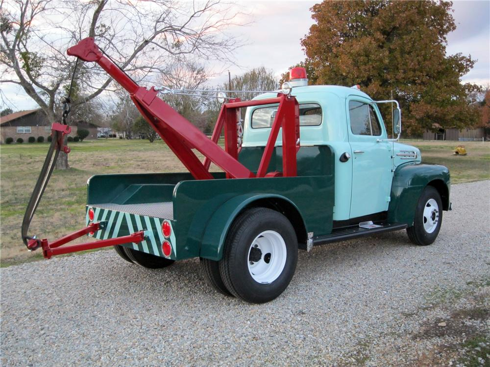 1952 ford f 3 tow truck117500. Black Bedroom Furniture Sets. Home Design Ideas