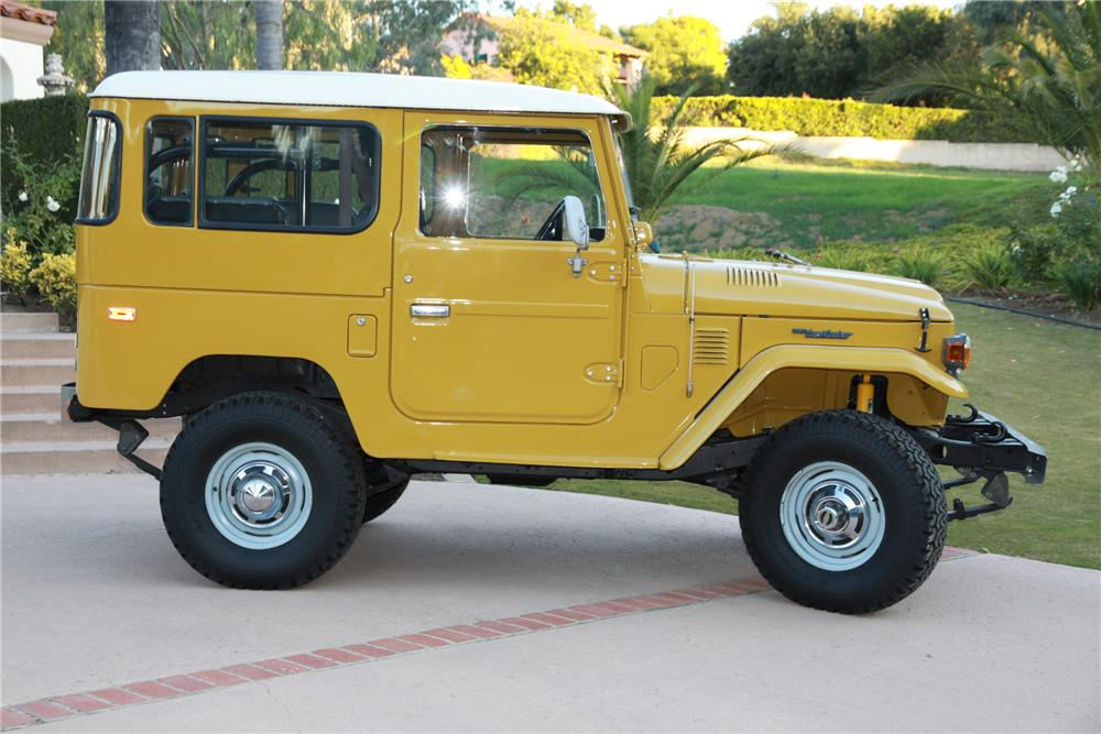 1976 TOYOTA LAND CRUISER FJ-40 SUV - Side Profile - 117501