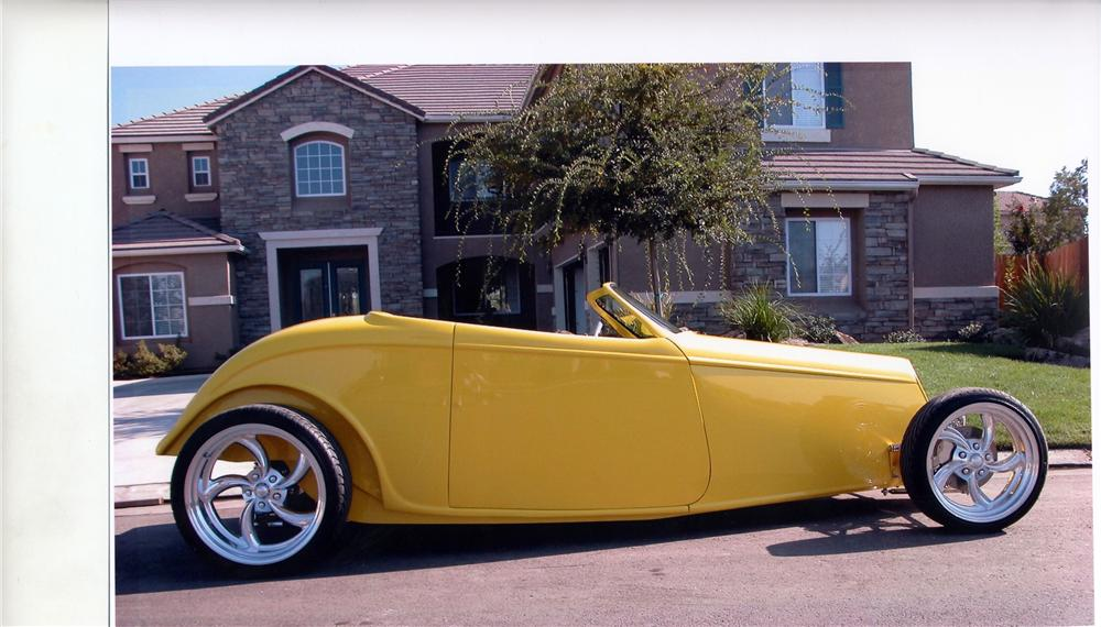1933 FORD SPEEDSTAR ROADSTER - Side Profile - 117503
