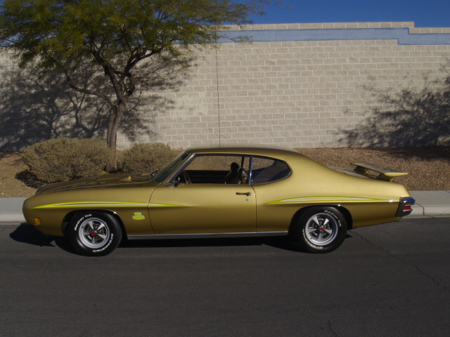 1970 PONTIAC GTO 2 DOOR COUPE - Side Profile - 117517