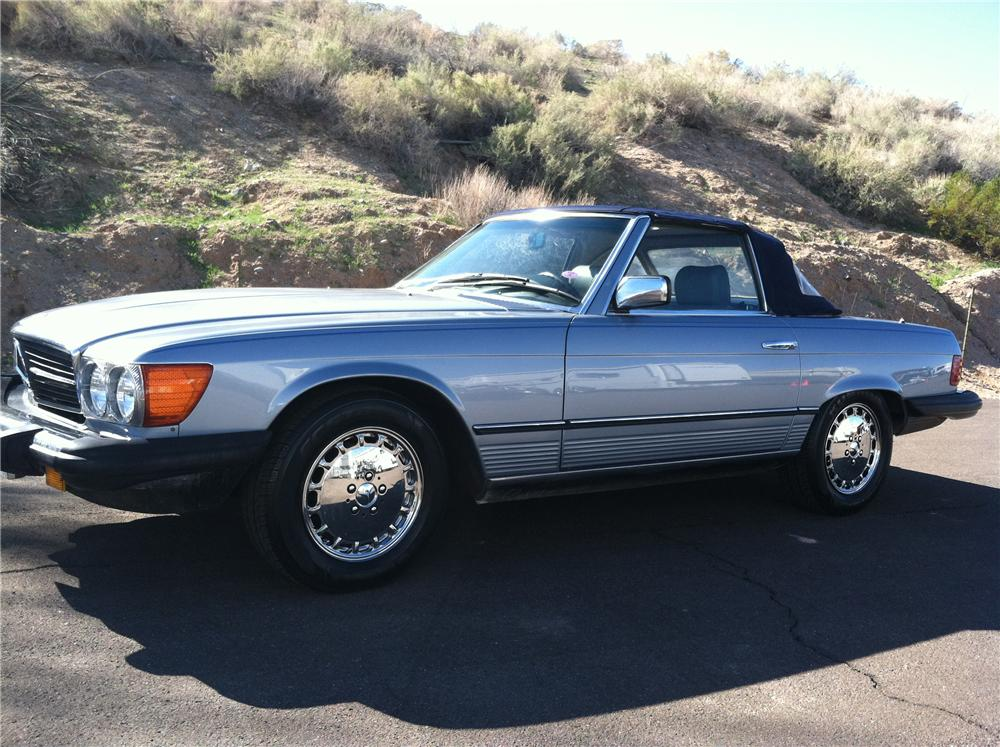 1984 MERCEDES-BENZ 380SL CONVERTIBLE - Front 3/4 - 117523