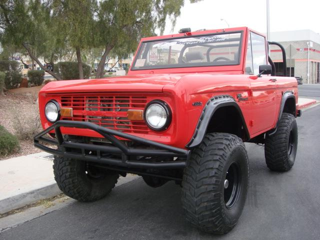 1969 FORD BRONCO CUSTOM SUV - Front 3/4 - 117530