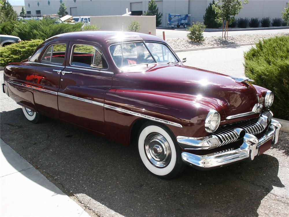1951 MERCURY CUSTOM 4 DOOR - Front 3/4 - 117538