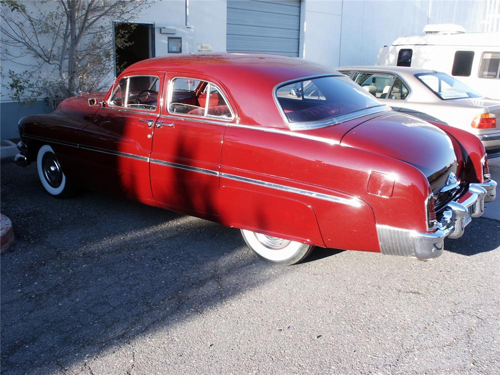 1951 MERCURY CUSTOM 4 DOOR - Rear 3/4 - 117538