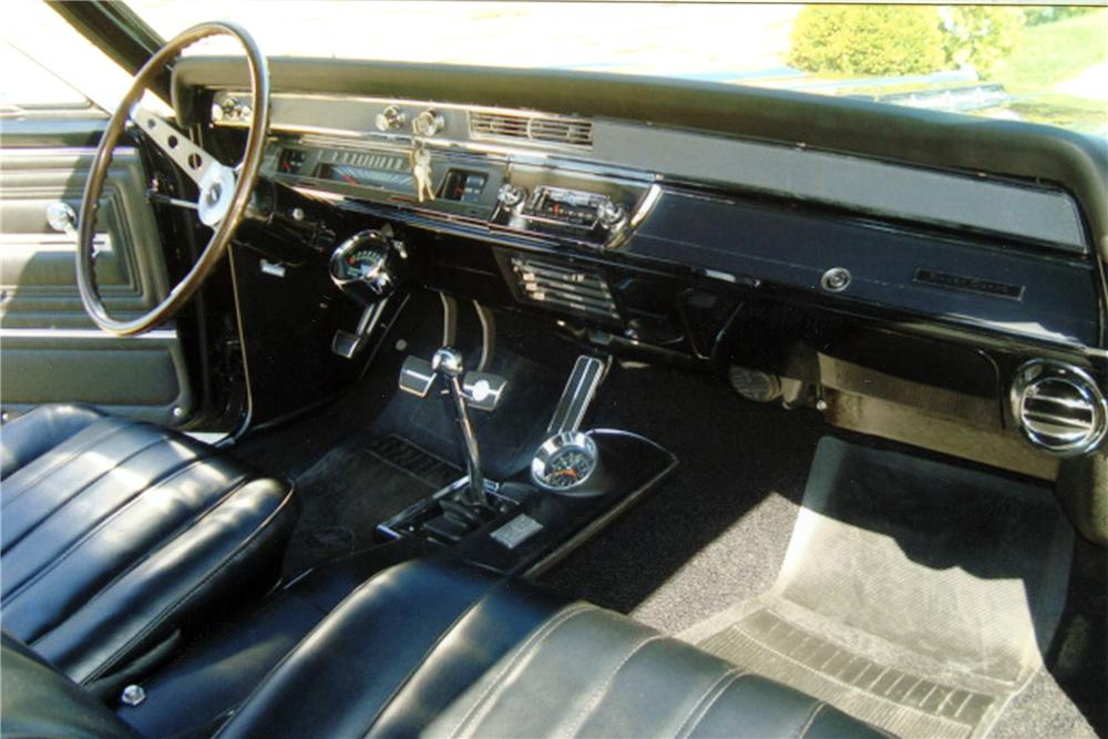 1966 CHEVROLET CHEVELLE SS COUPE - Interior - 117627