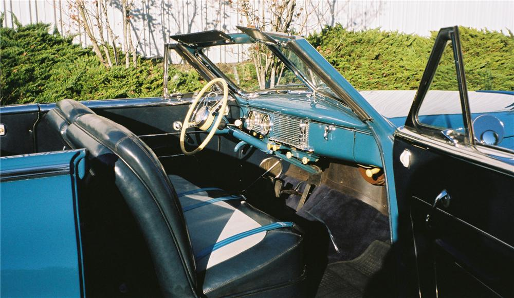 1948 PACKARD VICTORIA CONVERTIBLE - Interior - 117658