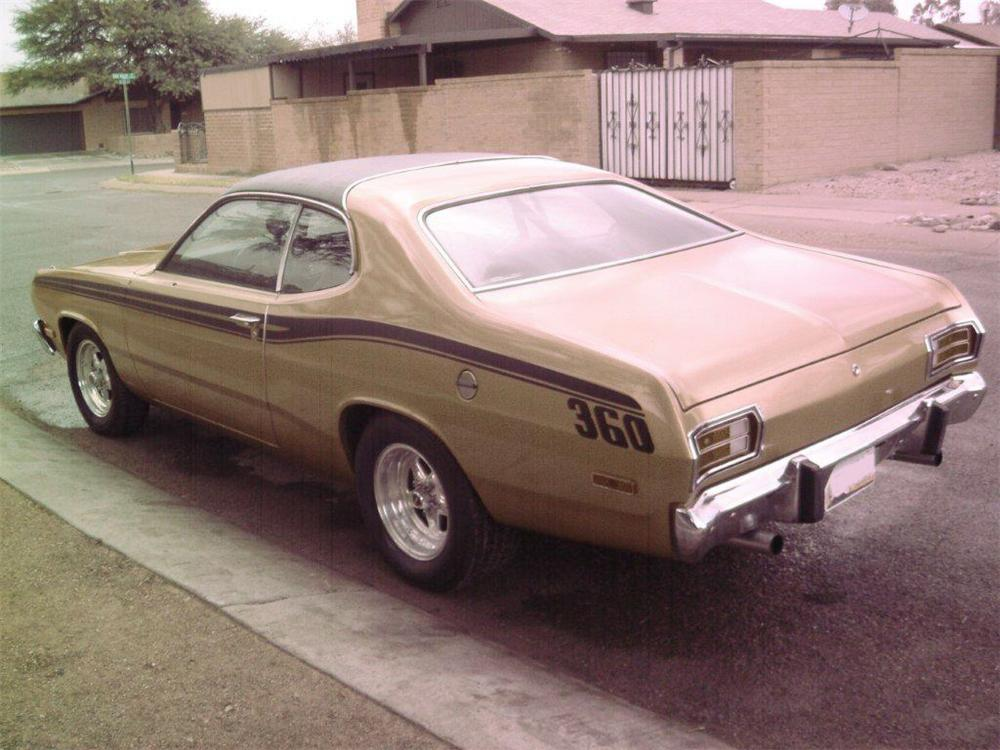 1973 PLYMOUTH DUSTER 2 DOOR COUPE - Rear 3/4 - 117663