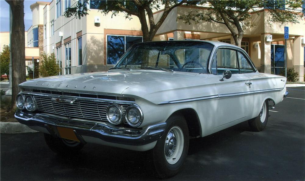 1961 CHEVROLET BEL AIR 2 DOOR COUPE - Front 3/4 - 117666