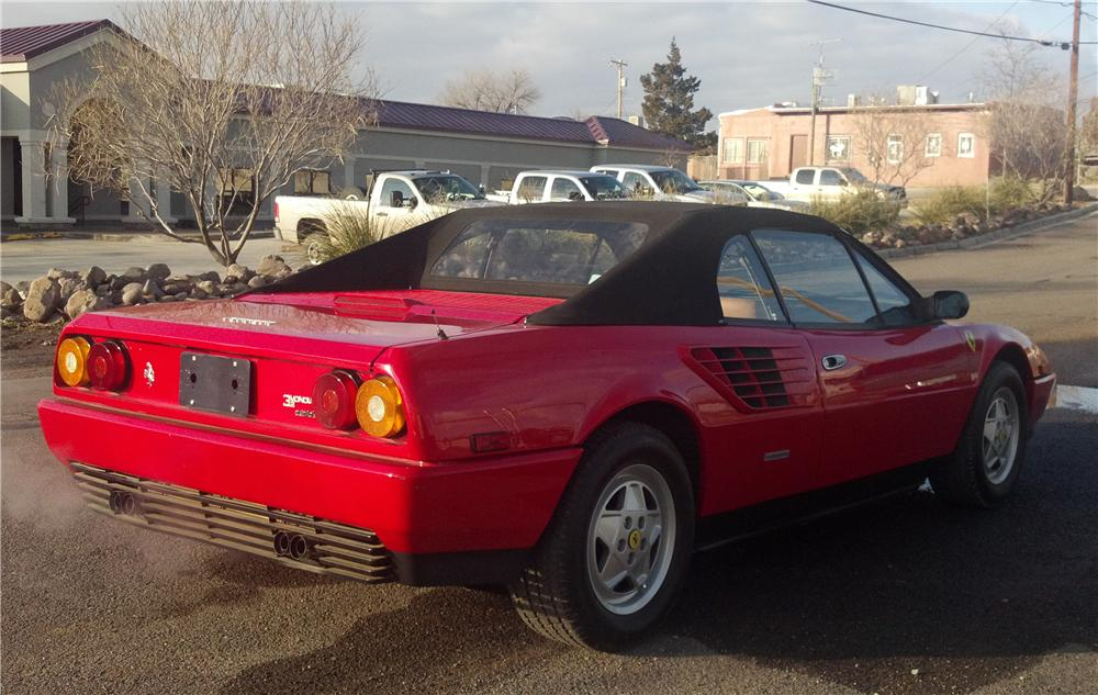 1986 FERRARI MONDIAL CONVERTIBLE - Rear 3/4 - 117670