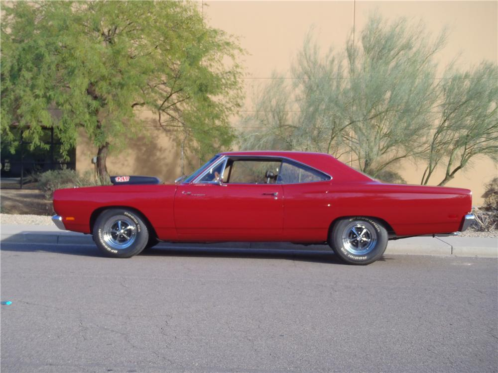 1969 PLYMOUTH ROAD RUNNER CUSTOM 2 DOOR HARDTOP - Side Profile - 117687
