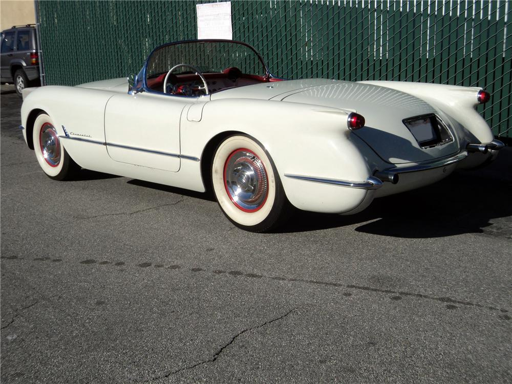 1954 CHEVROLET CORVETTE CONVERTIBLE - Rear 3/4 - 117689