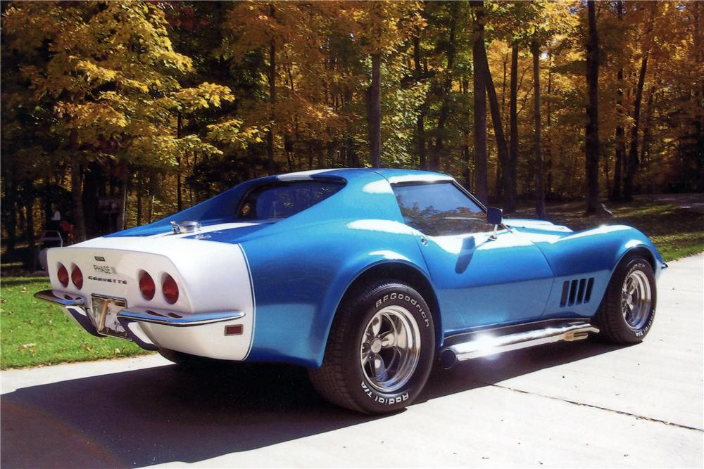 1968 CHEVROLET CORVETTE CUSTOM 2 DOOR COUPE - Rear 3/4 - 117692