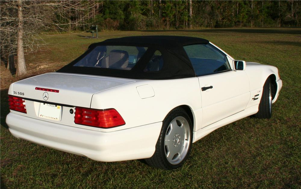 1996 MERCEDES-BENZ 500SL CONVERTIBLE - Rear 3/4 - 117696