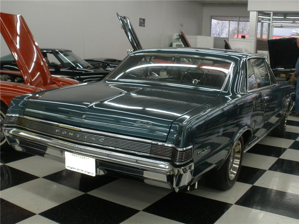1965 PONTIAC GTO COUPE - Rear 3/4 - 117706