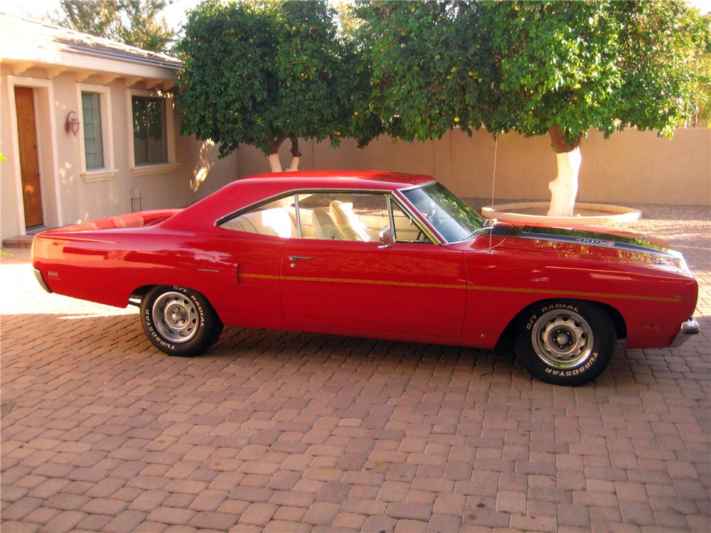 1970 PLYMOUTH ROAD RUNNER 2 DOOR HARDTOP - Side Profile - 117748