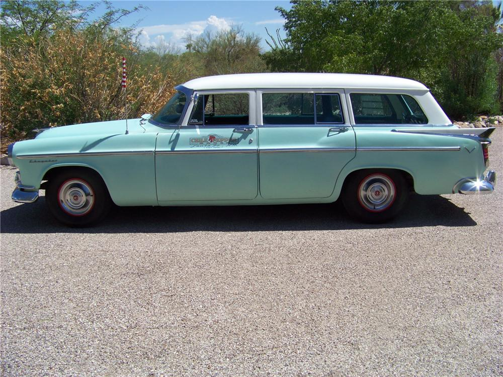 1956 CHRYSLER WINDSOR TOWN & COUNTRY 4 DOOR WAGON - Side Profile - 117759