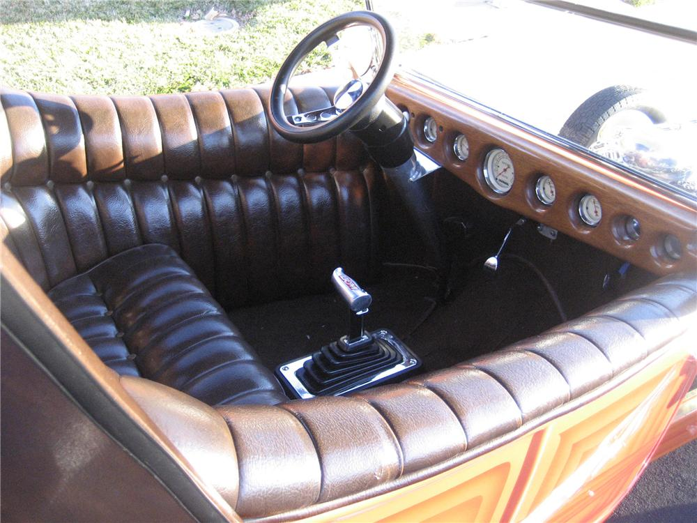 1923 FORD MODEL T CUSTOM ROADSTER - Interior - 117772