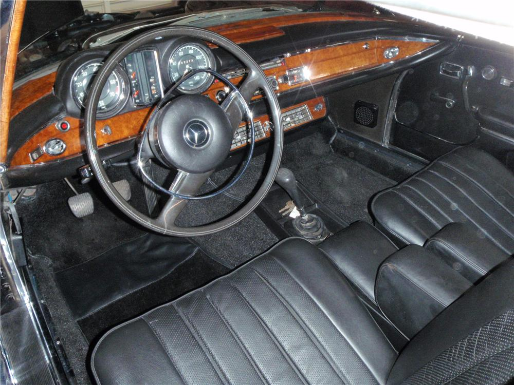 1971 MERCEDES-BENZ 280SE CABRIOLET CONVERSION - Interior - 117781