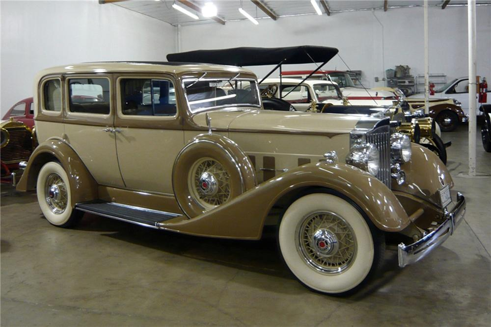 1934 PACKARD EIGHT SEDAN - Front 3/4 - 117786