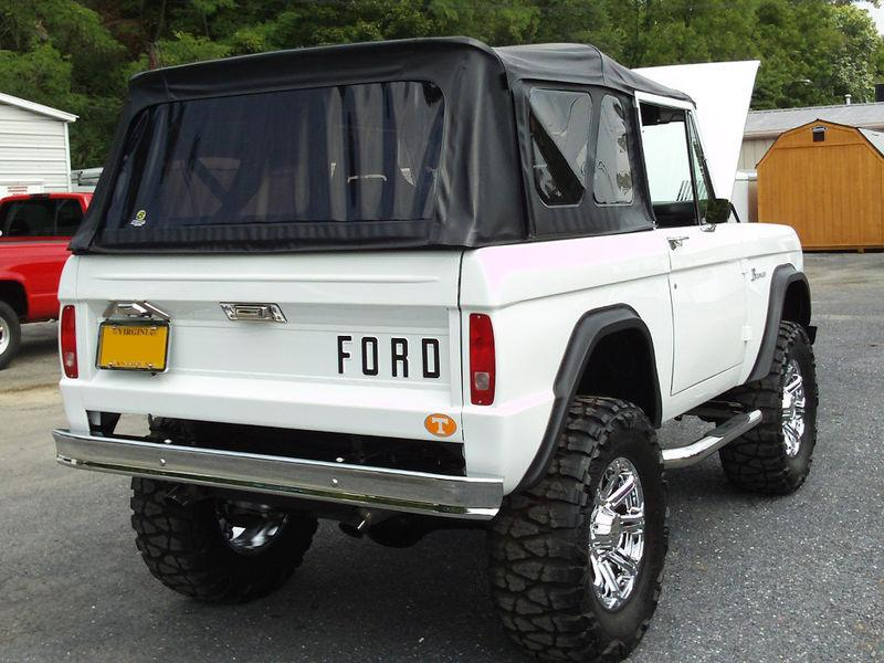 1977 FORD BRONCO CUSTOM SUV - Rear 3/4 - 117790