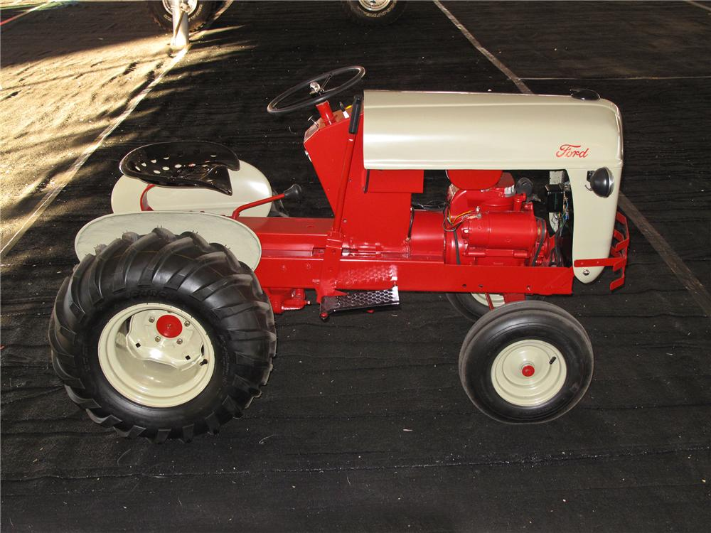 2011 FORD 8N TRACTOR REPLICA - Side Profile - 117792