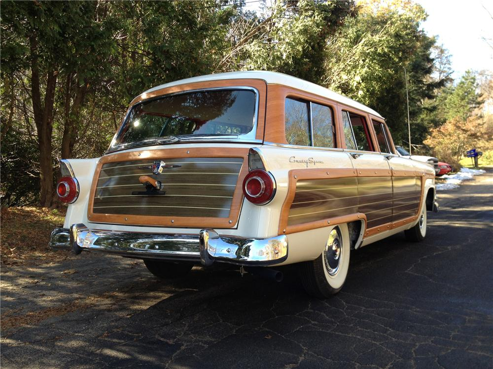 1956 FORD COUNTRY SQUIRE STATION WAGON - Rear 3/4 - 117810